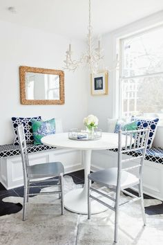 danielle oakey interiors: Get The Look: Chic Kitchen Nook!