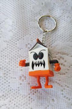 Flying Bat Image Design Metal Chunky Keyring in Gift Box