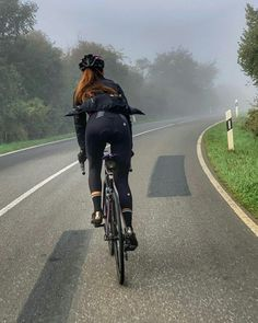 Cycling Shorts, Cycling Outfit, Mtb, Bike Messenger, Female Cyclist, Cycle Ride, Cycling Girls, Bicycle Girl, Road Bikes