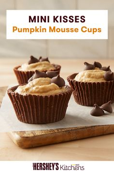 Channel those fall temperatures and embrace the season's flavors! These mousse-filled cups with pumpkin spice, topped with MINI KISSES are the perfect sweet treat to celebrate the holidays. Using HERSHEY'S MINI KISSES Brand Milk Chocolates, this 40 minute recipe is not only delicious but oh so easy to make!