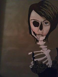 Skelet lady sold.