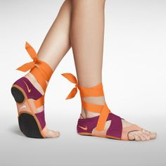 Nike Studio Wrap Pack--very cool for yoga Nike Flats, Adidas Shoes Outlet, Nike Shoes Cheap, Clogs, Nike Air, Nike Studio Wrap, Wrap Shoes, Site Nike, Vogue