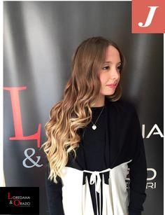 #celynB #strongcolor #LoredanaeOrazio #hairstylist #cdj #degradè #vittoria #50shadesofdegradè #igers #longhair #joelle #wella #wonderfoul #blonde  #vittoria #Ragusa #team #Fashion #nuovesemplicità