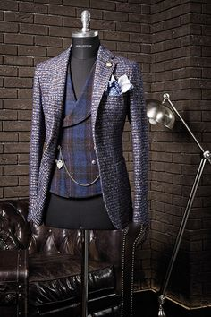 Suit by Tagliatore Mens Fashion Suits, Men's Fashion, Fashion Models, Fashion Outfits, Mode Masculine, Outfit Man, Moda Do Momento, Elegant Man, Mode Chic