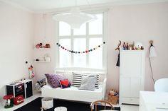 vaaleanpunainen tytönhuone