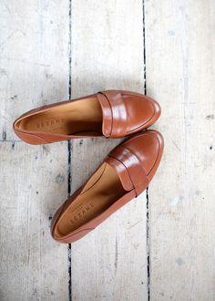Madewell et Sézane: Sézane designer Morgane's inspiration: Loafer Love Sock Shoes, Cute Shoes, Me Too Shoes, Shoe Boots, Shoes Sandals, Heels, Look Fashion, Fashion Shoes, Women's Accessories