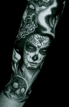 Sugar Skull Tattoo....I just love them! They're so sexy! And kinda mysteriously creepy ;)