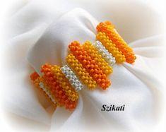 Kostenloser Versand gelb/weiß/Orange Seed Bead Bib von Szikati