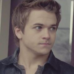 I LOVE THIS FACE... this is the face i make when people say they dont like hunter hayes....