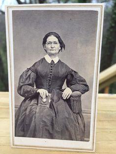 Antique CDV Photo 1800s Civil War era Woman w/ Album Belvidere New Jersey | eBay