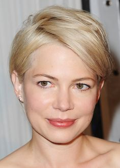 Michelle Williams Short Hairstyles: A formal version of her hairstyle
