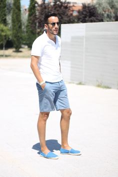 look: white polo shirt + blue shorts + espadrilles