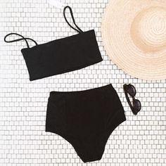 А еще можно делать сезонную одежду для плавания. Такой тип очень легко шить. Прямоугольник и трусы по бокам соединил - делать нечего #swimsuits