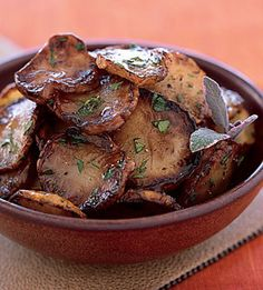 Pan-Fried Jerusalem Artichokes in Sage Butter / Pornchai Mittongtare