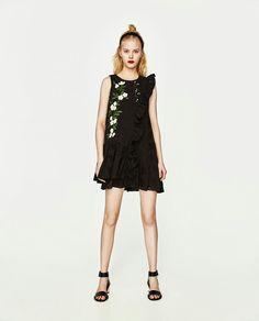 Kleid mit rollkragen zara