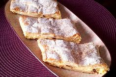 Curd cheese strudel with puff pastry by claudiague French Toast Bake, French Toast Casserole, Mexican Breakfast Recipes, Brunch Recipes, Breakfast Pizza, Breakfast Casserole, Filipino Recipes, Greek Recipes, French Desserts