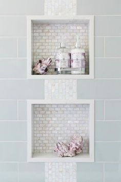 Small master bathroom tile makeover design ideas (10)