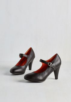 Member of the Board Heel in Black. Your commitment to your newly appointed position shows in the professional demeanor you exude in these black, Mary Jane heels! Mary Janes, Vintage Heels, Retro Vintage, Black Mary Jane Heels, Shiny Shoes, Fall Capsule Wardrobe, Cute Heels, Dream Shoes, Modcloth