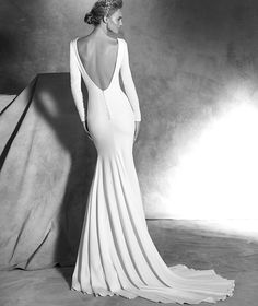 If you are a fan of simple elegance, you will love this Pronovias bridal collection to the core. Pronovias bridal collection always takes our breath away, and this Atelier collection… Bridal Dresses Online, 2016 Wedding Dresses, Wedding Dress Shopping, Designer Wedding Dresses, Bridal Gowns, Wedding Gowns, Blush Bridal, Dresses 2016, Provonias Wedding Dress