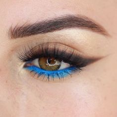 Blue Smokey Eye Makeup Glam Tutorial Idea Hope you enjoy this by Blue Eye Makeup, Smokey Eye Makeup, Eyeshadow Makeup, Face Makeup, Blue Smokey Eye, Makeup Inspo, Makeup Inspiration, Beauty Makeup, Blaues Make-up