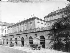 Palais modena beatrixgasse Old Photographs, Vienna, Austria, Beautiful Pictures, To Go, Louvre, City, Building, Lost