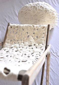 ✔ - white - felt - chair #vilt #vilten #viltwerk #viltwerken #Purewol
