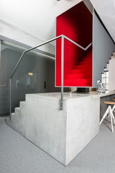 See more midcentury modern red interior design inspirations at http://essentialhome.eu/