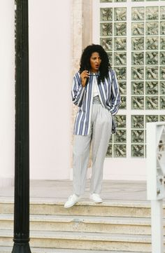 Revisiting the Iconic Style of Pam Grier - Rackedclockmenumore-arrownoyes : 70s Vintage Fashion, 70s Fashion, Vintage Outfits, Fashion Outfits, Girl Outfits, Foxy Brown Pam Grier, Pam Grier 70s, Beautiful Black Women, Beautiful People