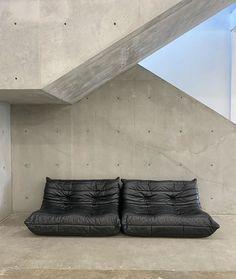 Sofa Design, Furniture Design, Interior Architecture, Interior And Exterior, Beton Design, Minimal Decor, Simple House, Home Decor Bedroom, Room Decor