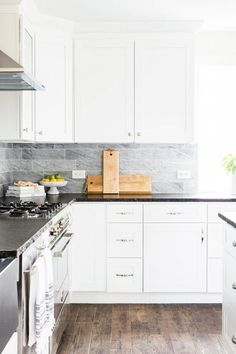 Discover Kitchen design ideas & inspiration, expertly curated for you. Explore Kitchen decor and design ideas, save them to inspire your next project, and shop your favorite products. Kitchen Decor, Kitchen Design, Interior Decorating, Interior Design, Dining Room Design, Room Interior, Kitchen Cabinets, Design Ideas, Inspire