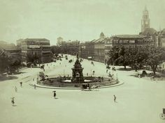 1880 to 1950 : Rare Old Mumbai Photos - (10 Pictures) -Flora Fountain in 1880
