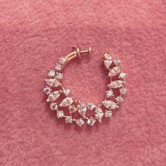 indian jewellery wedding jewelry bridal jewelry new - Custom Jewelry Ideas Nose Ring Jewelry, Indian Jewelry Earrings, Jewelry Design Earrings, Gold Earrings Designs, Gold Jewellery Design, Nose Rings, Indian Gold Jewellery, Nose Ring Stud, India Jewelry