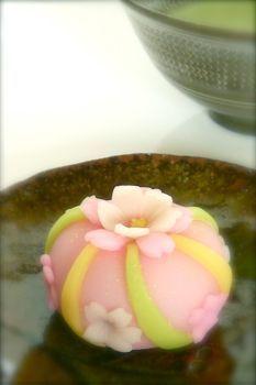 桜 Sakura - Cherry blossom - Wagashi Japanese Food Art, Japanese Cake, Japanese Sweets, Desserts Japonais, Cute Food, Yummy Food, Japanese Wagashi, Asian Desserts, Confectionery