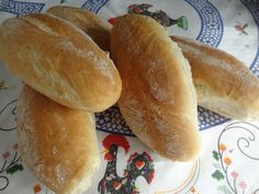 Portuguese Rolls Papo Seco Portuguese Rolls Recipe, Portuguese Bread, Portuguese Recipes, Aloe Vera, Bread Recipes, Cooking Recipes, Portugal, Spanish Dishes, Best Pasta Salad