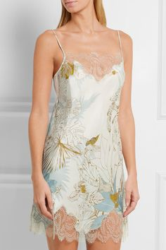 Carine Gilson | Florence lace-trimmed printed silk chemise | NET-A-PORTER.COM