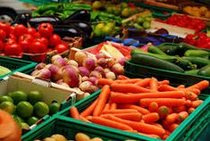 Boulder County Farmer's Market is Back! This Saturday, April kicks off this year's Boulder County Farmer's Market. The Boulder County Farmer's . Healthy Grocery Shopping, Healthy Groceries, Grocery Store, Farmers Market, Fruits And Vegetables, Organic Vegetables, Eating Vegetables, Healthy Vegetables, Roasted Vegetables