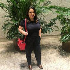 Look do dia: macacão preto!  #jumper #jumpsuit #black #animalprint #red #barrashoppingsul #barra #ootd #look #style #fashion #myself #whatiwore #schutz #lifeasdaphne