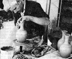 Κεραμοποιός Greek History, Old Photographs, Athens Greece, Greeks, Crete, Past, Nostalgia, Memories, Black And White
