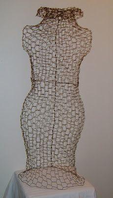 Sassytrash: Chicken wire dress form.........tutorial
