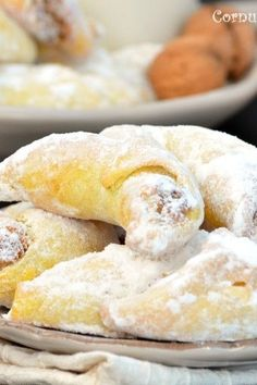 Search Results Pasca Romanian Desserts, Romanian Food, Romanian Recipes, Sweets Recipes, Something Sweet, Fudge, Bakery, Food And Drink, Cooking