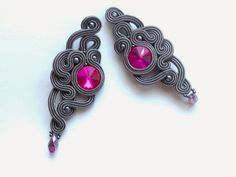 MaNiko: Kolczyki sutasz Magenta,kolekcja Two Colours Soutache Earrings, Shibori, Beaded Embroidery, Magenta, Belly Button Rings, Colours, Beadwork, Jewerly, Silk