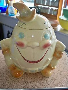 Brush McCoy Pottery Humpty Dumpty  Cookie Jar 1962
