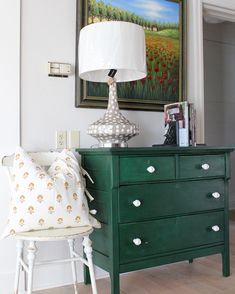 Beautiful, rich color on the dresser! Annie Sloan Stockist MD Haney & Co. from McMinnville, OR painted this piece in Amsterdam Green, lightly distressed it, and finished with Clear and Dark Chalk Paint® Wax.