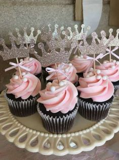 Trendy Baby Shower Girl Ideas Cupcakes Ideas Related posts:Gender reveal party : 10 idées originalesPlanning a Baby Shower? 3 Tips For Throwing a Wonderful Baby Shower How t. Baby Shower Cupcakes For Girls, Baby Shower Cupcake Toppers, Baby Girl Shower Themes, Girl Baby Shower Decorations, Baby Shower Princess, Baby Shower Fun, Baby Cupcake, Baby Shower Desserts, Cupcake Cakes