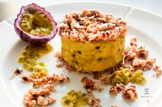 I don't know you but I love having something sweet after a meal, and when it's warm nothing better than a refreshing dessert. Hit the link below and grab the recipe. It's delicious!! veganosbrasil.com Passionfruit Cheesecake, Refreshing Desserts, Something Sweet, Granola, Muffin, Warm, Meals, Breakfast, Link