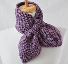2014 Knitting & Crochet Ideas - Knitting Pattern Keyhole Scarf The Original Pull Knitting Stitches, Knitting Patterns Free, Knit Patterns, Free Knitting, Free Pattern, Diy Crafts Knitting, Moss Stitch, How To Purl Knit, Knitting For Beginners