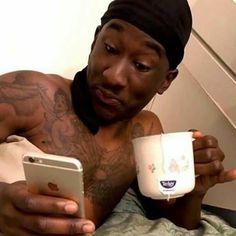 when there s drama so your just there sipping tea and spilling facts  Reaction Pics a05076927d02