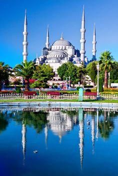 La majestuosa mesquita azul en Estambul, Turquía.