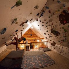 (Freddie Wilkinson) Indoor overhang climbing bouldering wall - ummm yes please! Future House, My House, Indoor Climbing Wall, Rock Climbing Walls, Rope Climbing, Bouldering Wall, Indoor Bouldering, Bedroom Loft, My Dream Home