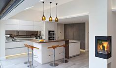 16 Staggering Scandinavian Kitchen Designs For Your Modern House is a new interior design collection with many modern kitchen designs. Scandinavian Kitchen, Scandinavian Kitchen Design, Open Plan Kitchen Dining, Kitchen Remodel, Open Plan Kitchen Living Room, Kitchen Diner, Farmhouse Kitchen Design, Kitchen Layout, Kitchen Design